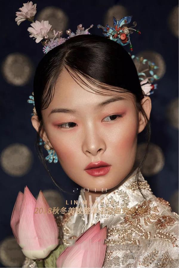 掌握2018秋冬美妆造型的核心趋势,疑点难点全部一一攻克