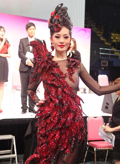 第36届亚洲发型化妆大赛--中国再创视频佳绩草鸡的图片